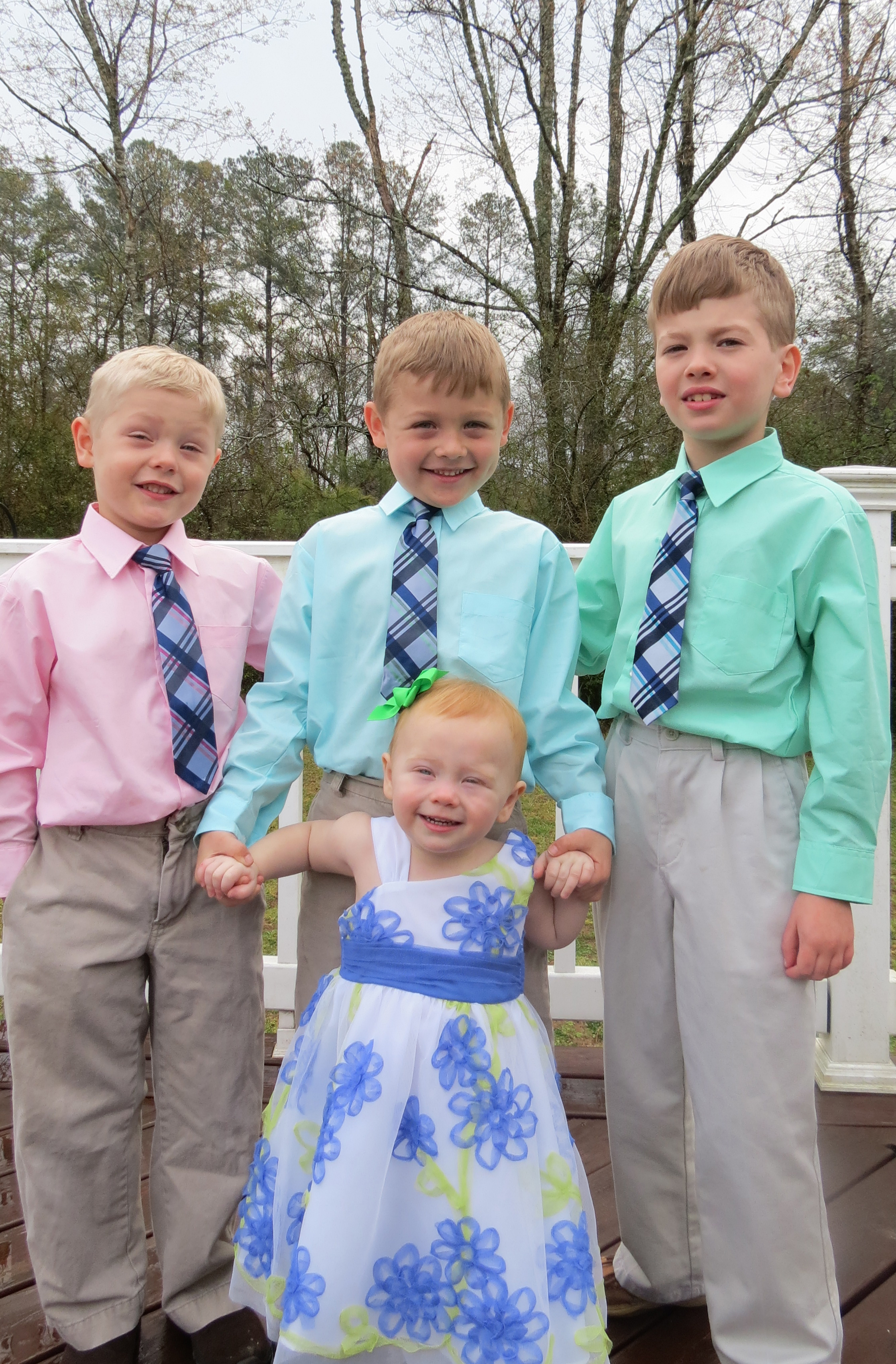 Landon with his younger brothers and sister